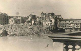 firenze Area del POnte Vecchio dopo lesplosione delle mine tedesche Agosto 1944