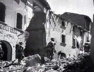 L'Ottava Armata britannica entra in Firenze