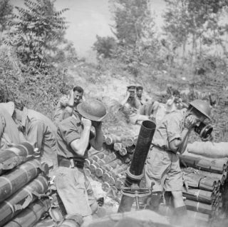 montecassino_Mortaio 42pollici Troop 307th battery British 99th monte cassino 12 May 1944