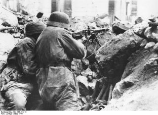 montecassino_Tedesco MG42 mitragliatrice Monte Cassino Italia Apr 1944