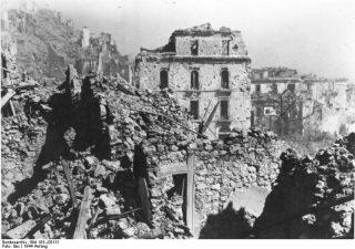 montecassino_rovine monte cassino 1944