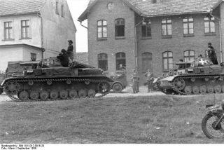 Polen, Panzer IV in Ortschaft