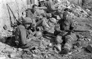 1945 Pietracolora è una frazione del comune di Gaggio Montano