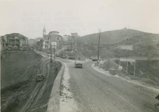 Bomba ha danneggiato città di Monghidoro Italia in fondo nel novembre del 1944