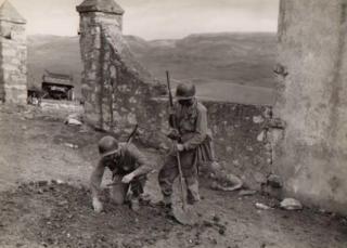 Militari impegnati nella battaglia di Torricella (Vernio) nel 1944