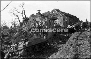 feb-45 località la corona mt belvedere tank americano distrutto dai tedeschi durante una controffensiva