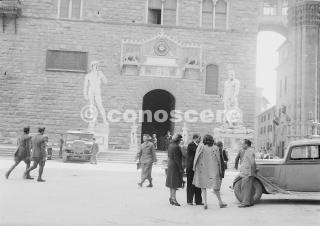 piazza signoria militarizzata firenze 1943 war 2