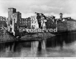 World War II: the houses along the Arno River, between the Ponte Vecchio and San Jacopo in Florence, after the bombing