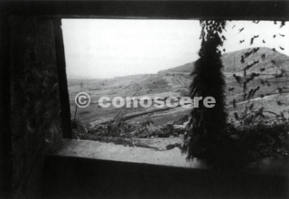 vista da una delle tante postazioni di cemento costruiti intorno al Passo della Futa che sono stati catturati dalla 91a (US) Fanteria