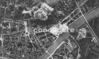 1944-Torre di Pisa  60 Martin B-26 bombing con 97 tonnellate di bombe a 8