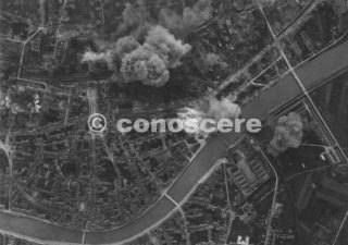 21 GEN 44-15TH ARMY AIR FORCE PISA ATTACK STAZIONE FERROVIARIA