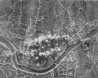 BOMBING PISA 1943