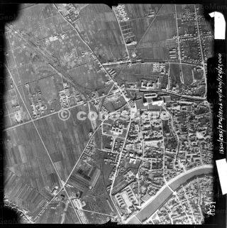 Piazza dei Miracoli RAF_1944_104_3613_4051_0_0_0