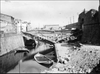 Pisa Canale dei Navicelli dopo il bombardamento del 31 agosto 1943