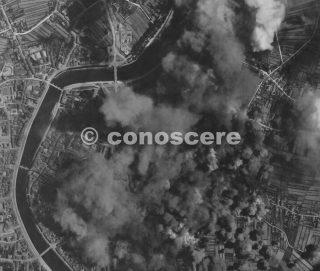 Questa fotografia è stata presa dopo che le bombe sono state sganciate da Usaf B-17 (anno 31 agosto 1943)