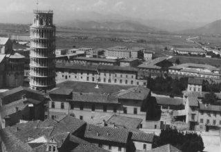 foto aerea pisa torre 1945