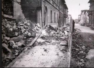 pisa 1943 dopo bombardamenti usa