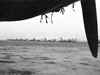 40 Squadron RAF in fase di preparazione per una missione di bombardamento notturno a Foggia_foggia bombardamento