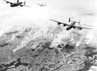 B-24 Liberator bombing foggia 27 dicembre 1944_foggia bombardamento