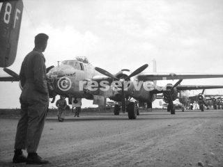 B-25_Foggia_Airfield_Comp_Italy_1944_foggia bombardamento