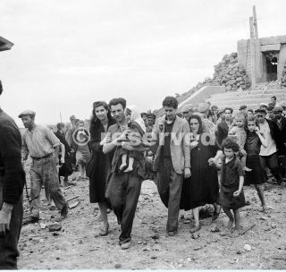 Pantelleria and Lampedusa May - June 1943 Islanders on Pantelleria after its surrender_sicilia word war