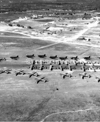 formazione sul campo in Sicilia Douglas C -47 di trasporto con CG  4 alianti