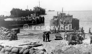 gela sicilia LANDING CRAFT ON BEACH