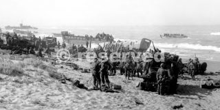 gela sicilia TROOPS ON THE BEACH