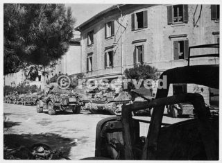 Scene at Rimini Italy during World War II with New Zealand tanks 22 set 1944_rimini foto di guerra