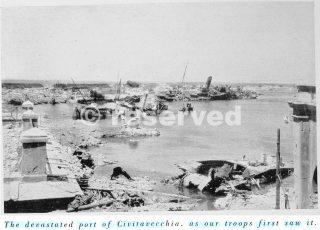 devastato porto di Civitavecchia_wwii