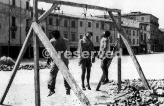 rimini partigiani -Mario Cappelli Luigi Nicolò Adelio Pagliarani-16 agosto 1944_rimini foto di guerra