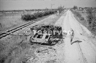 carro armato tedesco sulla strada fuori Orsogna passato Cimitero Ridge 14 GIUGNO 1944_foto di guerra