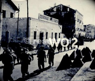 british-infantry-salerno-1943_ww2-