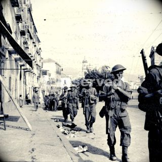 british-soldiers-of-the-eighth-army-march-through-the-streets-of-salerno-during-the-allied-invasion_ww2-
