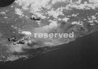 foto aerea genova bombing 2 agosto 1944_ww2