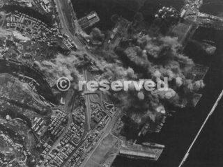genova bombing foto aerea 1944_ww2