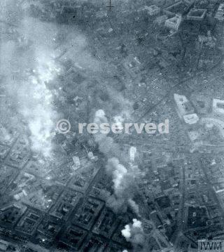 Bombardamento diurno del centro di Milano 88 Avro Lancasters 5 Gruppo RAF_ww2