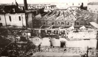 Milano Piazza De Angeli stabilimenti Frua distrutti dalle bombe 1943_ww2