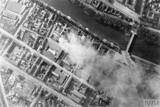 foto aerea dopo raid Torino Italia notte del 12 luglio 1943