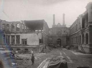 piazza Valdo Fusi venne bombardato da una incursione dell aviazione inglese