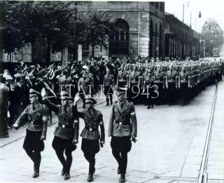 torino 23 luglio 1941 sfilata della Hitler Jugend in via Sacchi