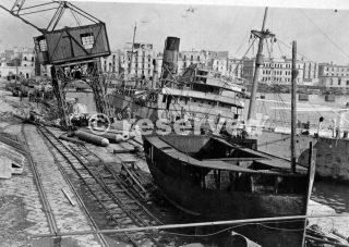 naples port 1944 ww2_napoli guerra