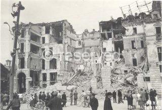 torino Piazza Castello e via Pietro Micca incursione aerea 13 luglio 1943