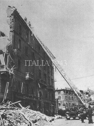 Corso Genova angolo Via De Amicis dopo i bombardamenti