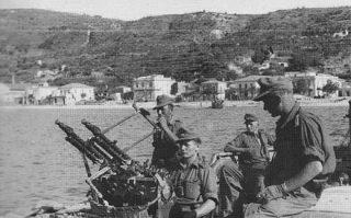 Truppe_tedesche;_stretto_di_Messina_1943