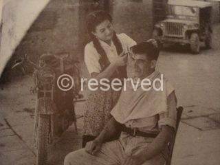 arezzo Servizi indispensabili una ragazza barbiere