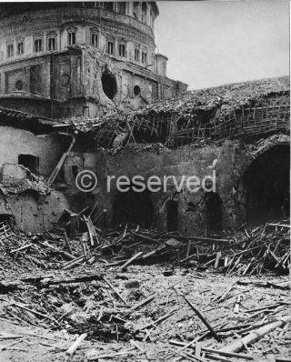 milano S-Maria delle Grazie dopo le incursioni aeree