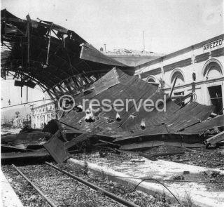 stazione distrutta arezzo 1943