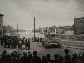 Verona, Italy, 25 aprile1945 - Le Forze alleate arrivano in città
