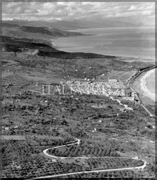 paese tra palermo e messina 1943_world war italy